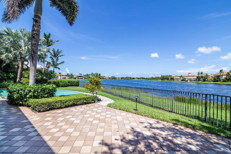 135  Playa Rienta Way , Palm Beach Gardens FL 33418 is listed for sale as MLS Listing RX-10445916 photo #36