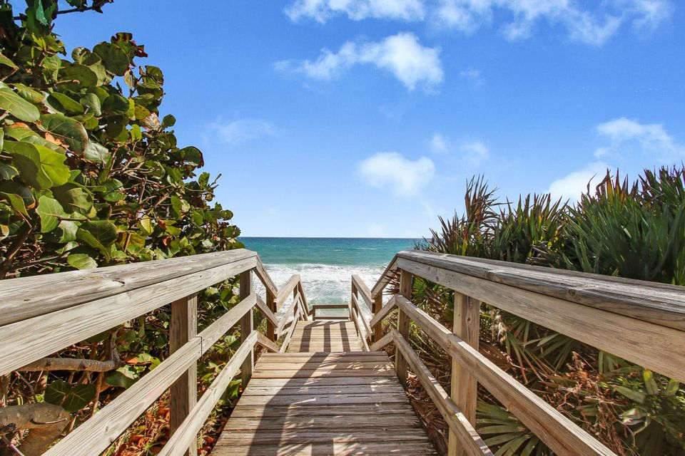 5150 N Ocean Drive 2100, Singer Island FL 33404 is listed for sale as MLS Listing RX-10445369 photo #46