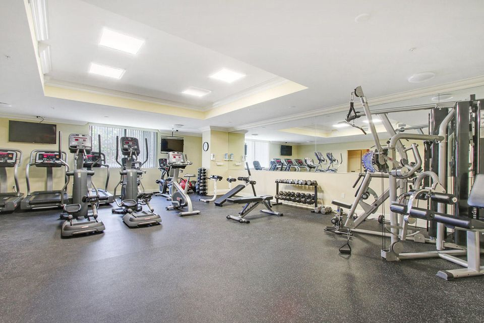 5150 N Ocean Drive 2100, Singer Island FL 33404 is listed for sale as MLS Listing RX-10445369 photo #47
