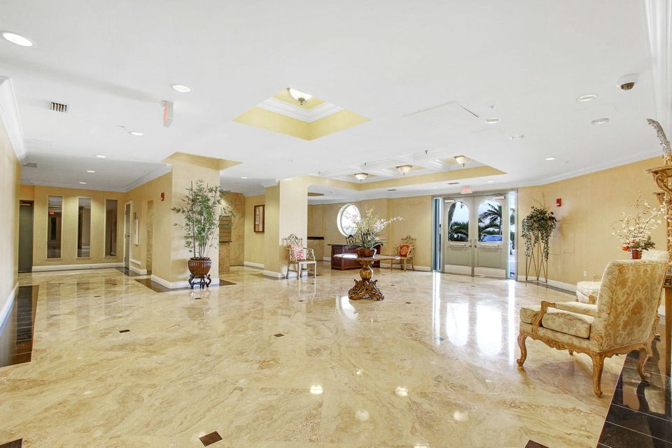 5150 N Ocean Drive 2100, Singer Island FL 33404 is listed for sale as MLS Listing RX-10445369 photo #48