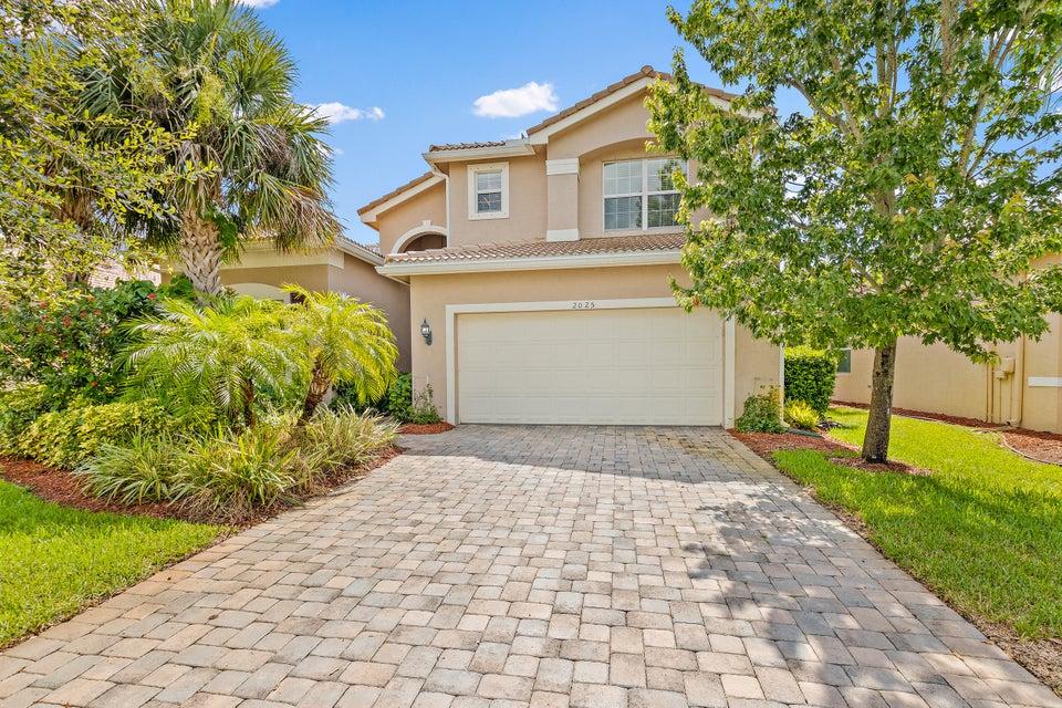 2025 Grey Falcon Circle  Vero Beach FL 32962