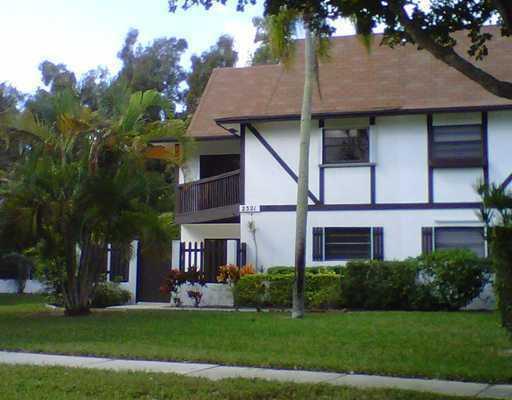 2321 Lena Lane 301 West Palm Beach, FL 33415 photo 3