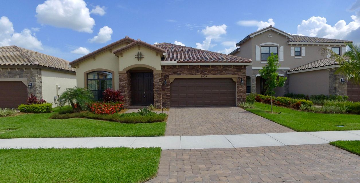 8909 Sea Chase Drive  Lake Worth, FL 33467