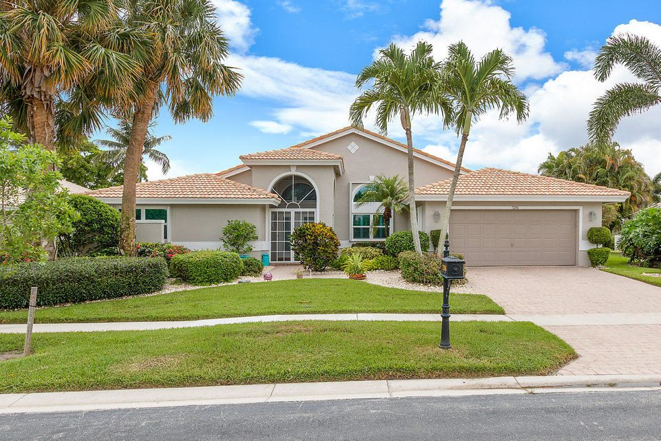 Home for sale in Lakeridge Falls Boynton Beach Florida