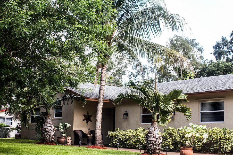 Home for sale in MONMOUTH ESTATES NO 2 UNREC ON AM-61A West Palm Beach Florida