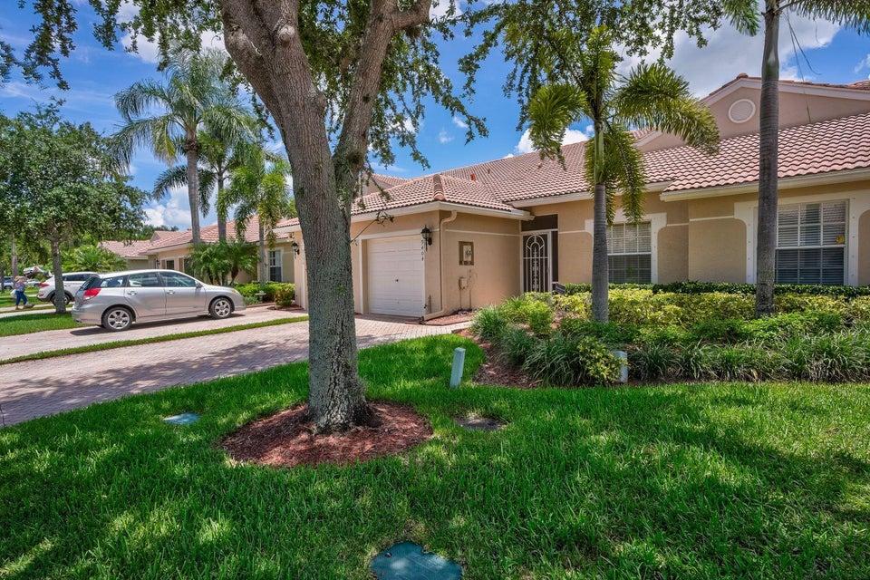 9404 Swansea Lane  West Palm Beach, FL 33411