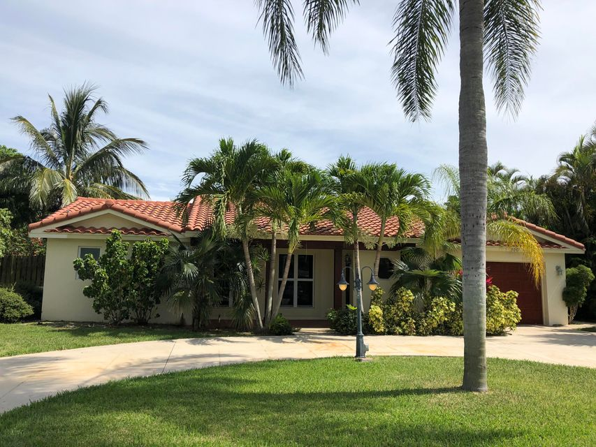 BOCA ISLANDS home on 300 SW 13th Street