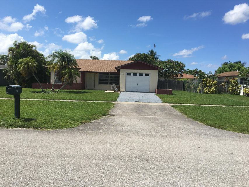 Home for sale in PALM BEACH COLONY SEC 2 Royal Palm Beach Florida
