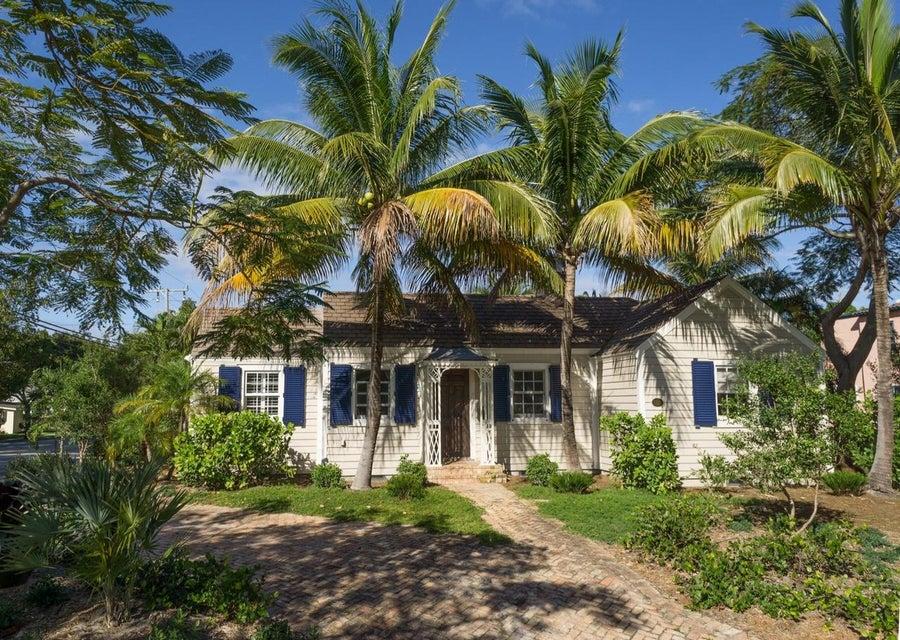 621 Kanuga Drive  West Palm Beach, FL 33401