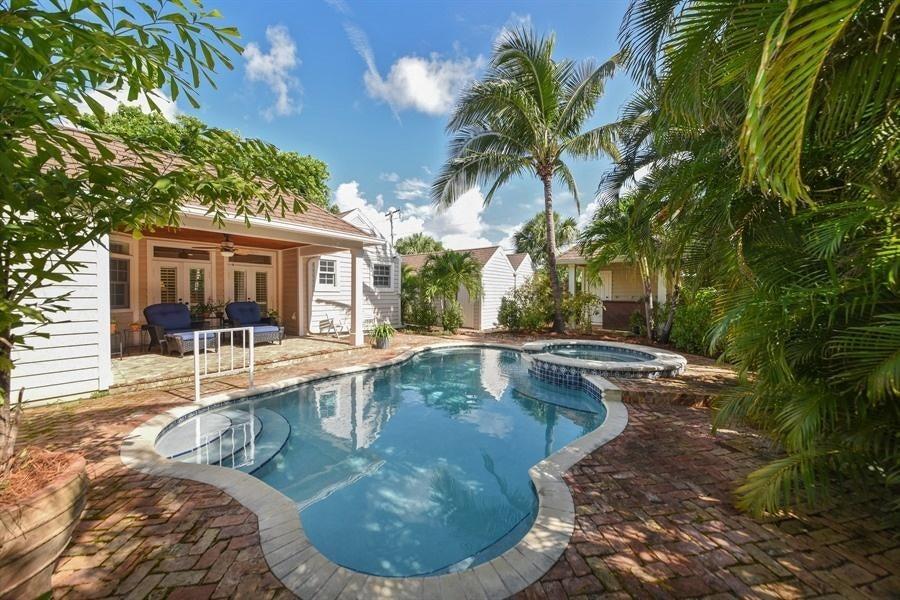 621 Kanuga Drive West Palm Beach, FL 33401 photo 23