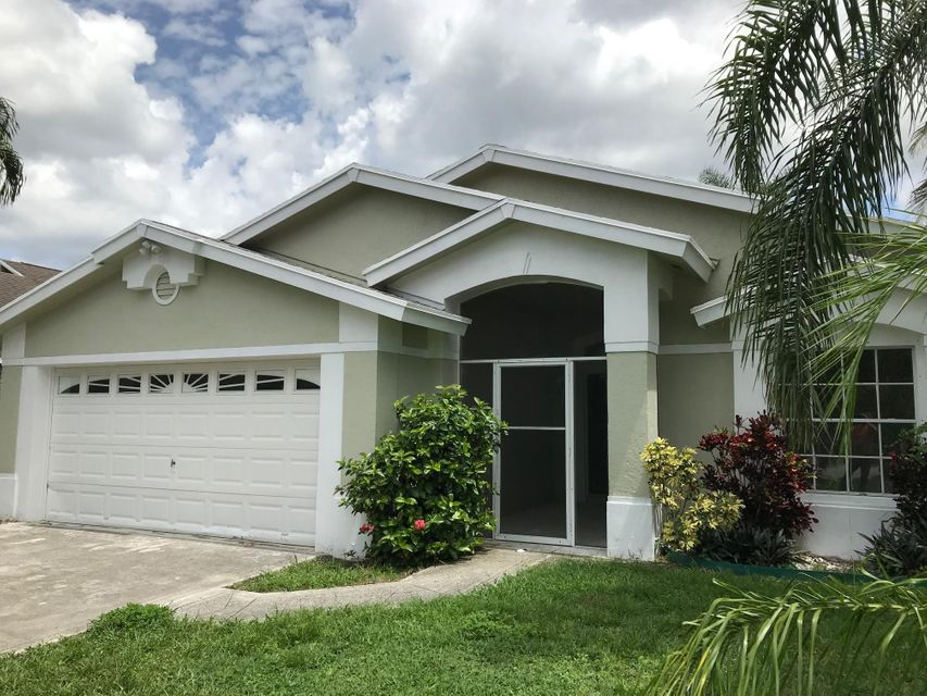 6067 Hollywood Street , Jupiter FL 33458 is listed for sale as MLS Listing RX-10446691 17 photos