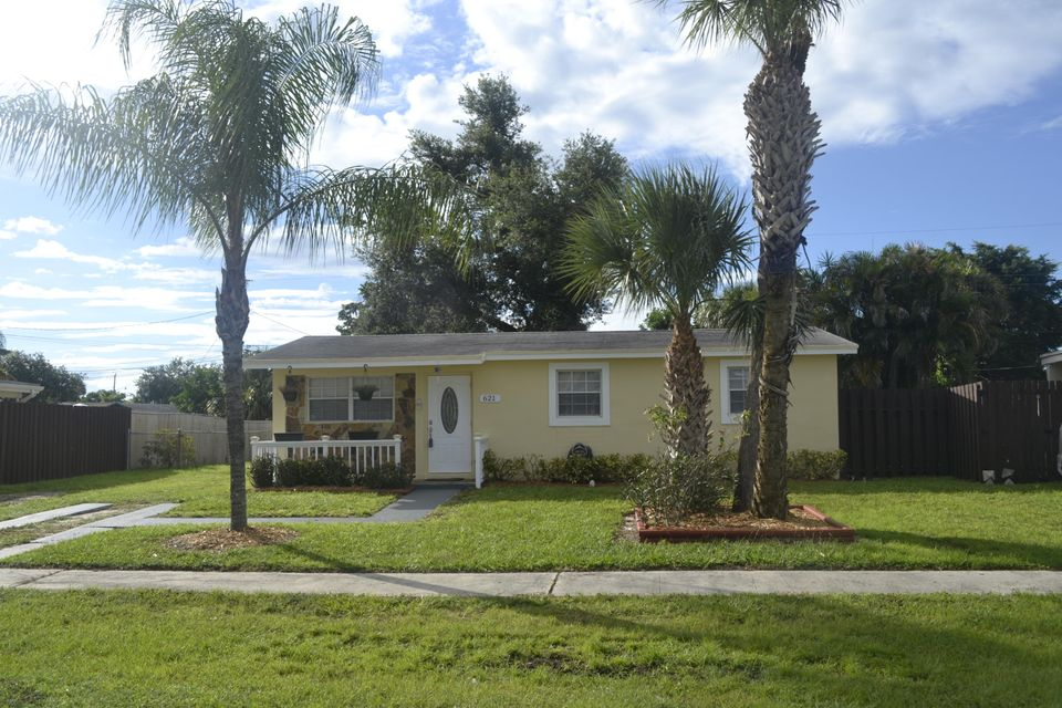 621 Camellia Drive Royal Palm Beach, FL 33411 small photo 1