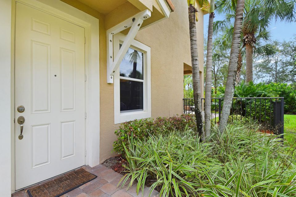 PALOMA PALM BEACH GARDENS REAL ESTATE