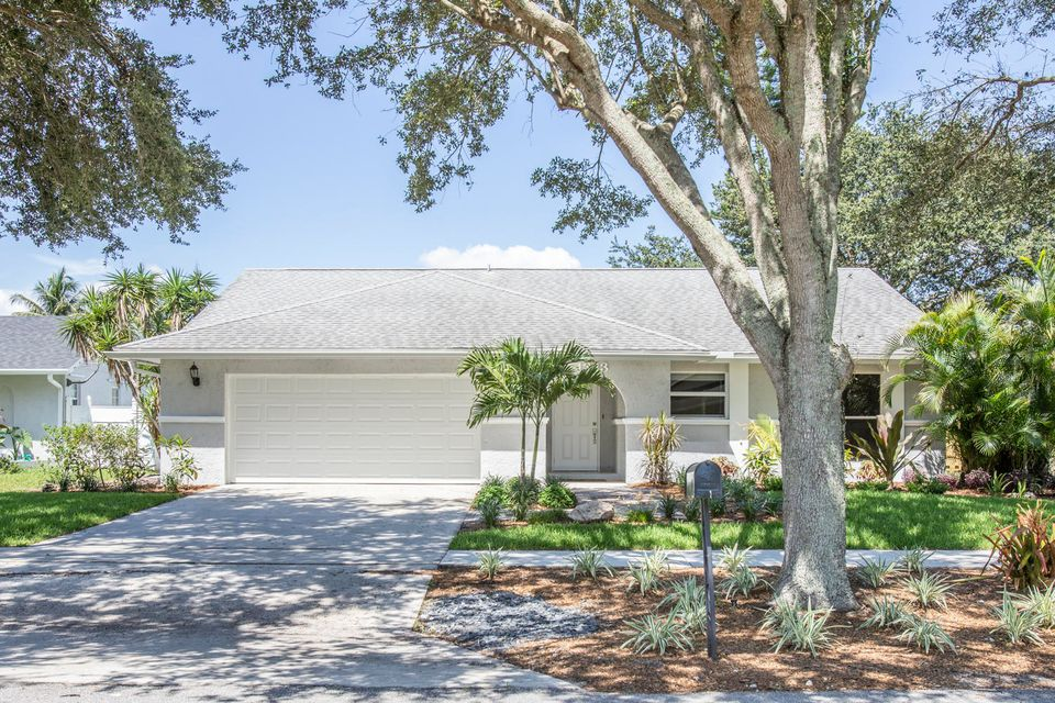 Home for sale in East Wood Wellington Florida