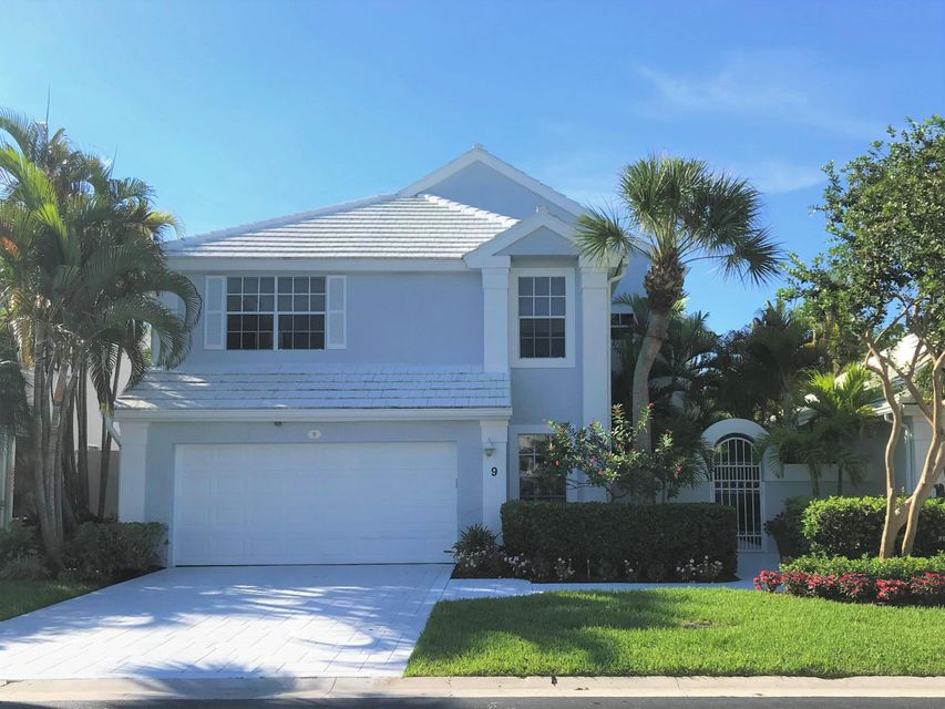 9 Blenheim Court , Palm Beach Gardens FL 33418 is listed for sale as MLS Listing RX-10447399 46 photos