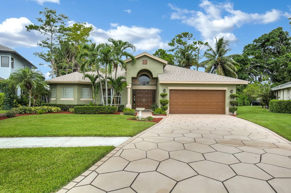 711 Foresteria Avenue  Wellington, FL 33414