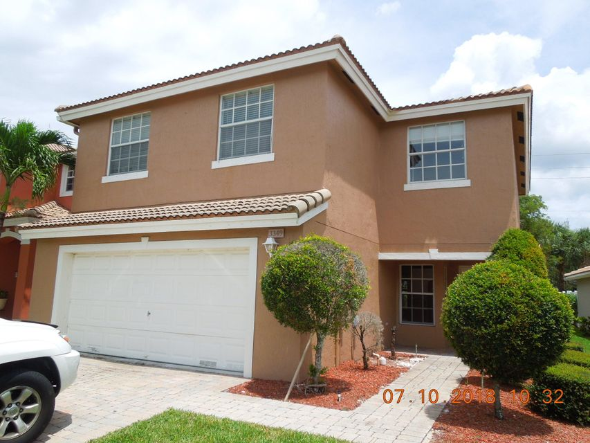 3349 Turtle Cove  West Palm Beach, FL 33411
