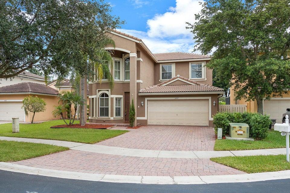 5257 Sancerre Circle  Lake Worth, FL 33463