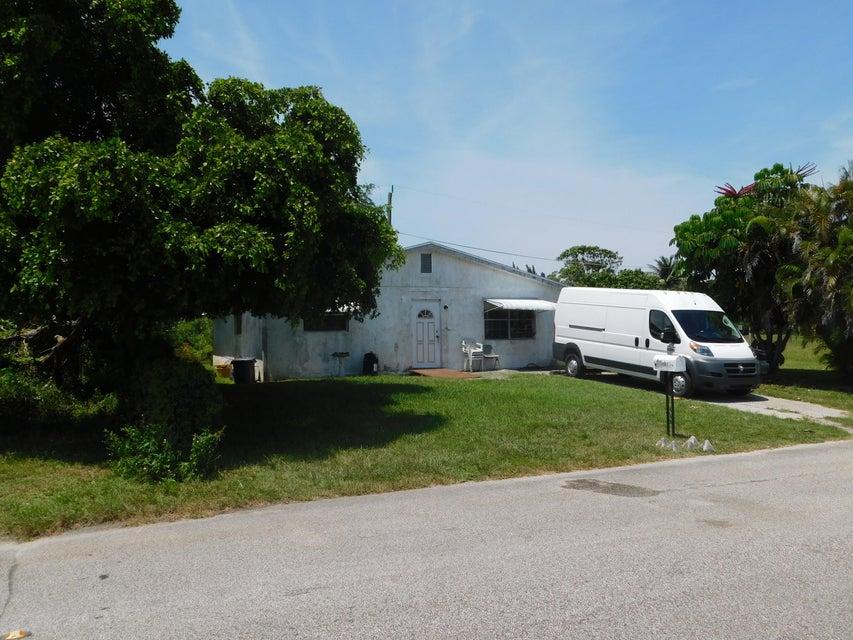 4981 Lynnwood Drive  West Palm Beach FL 33415