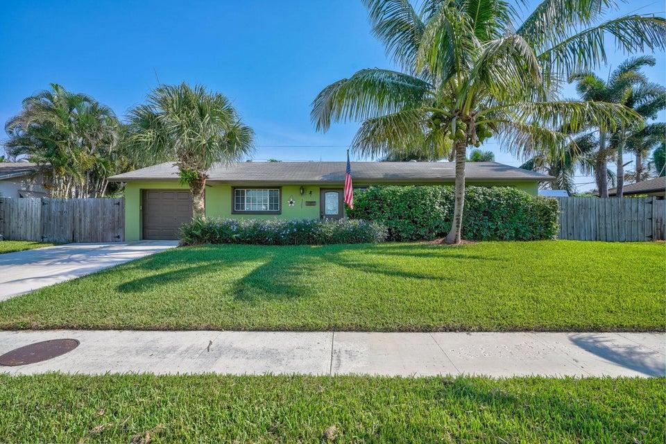 Home for sale in Cabana Colony Palm Beach Gardens Florida