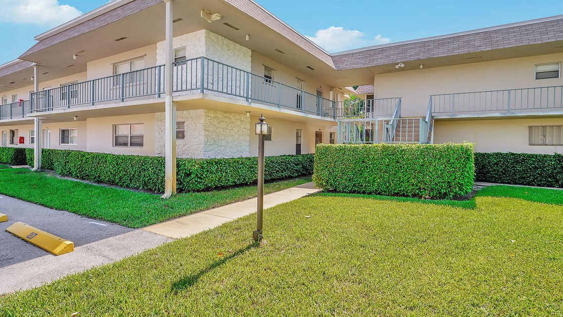 Home for sale in Century Village Oxford Condo West Palm Beach Florida