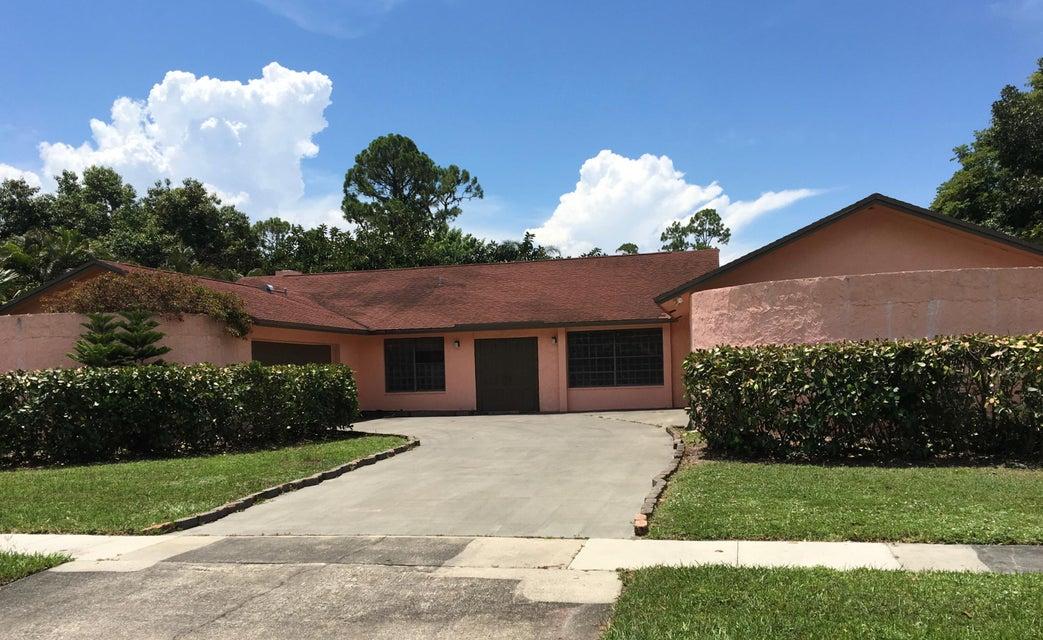 Home for sale in PINEWOOD EAST 2 OF WELLINGTON Wellington Florida