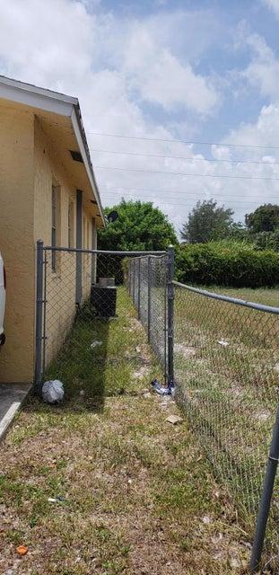 4023 Windsor Avenue West Palm Beach, FL 33407 photo 5