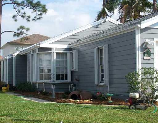 5689 Dewberry Way  West Palm Beach, FL 33415