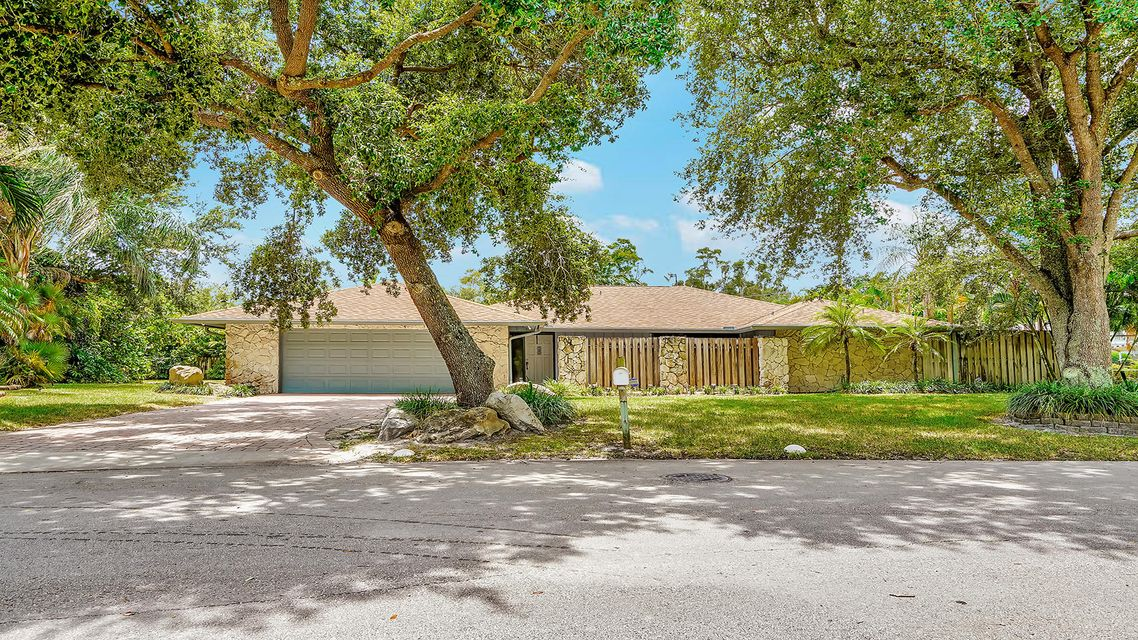 Home for sale in Albert Lakes West Palm Beach Florida