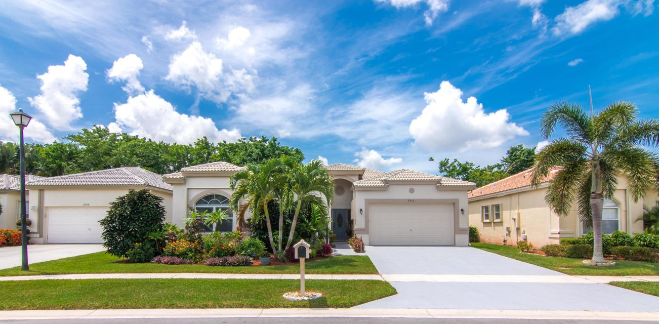 3912 Summer Chase Court Lake Worth, FL 33467