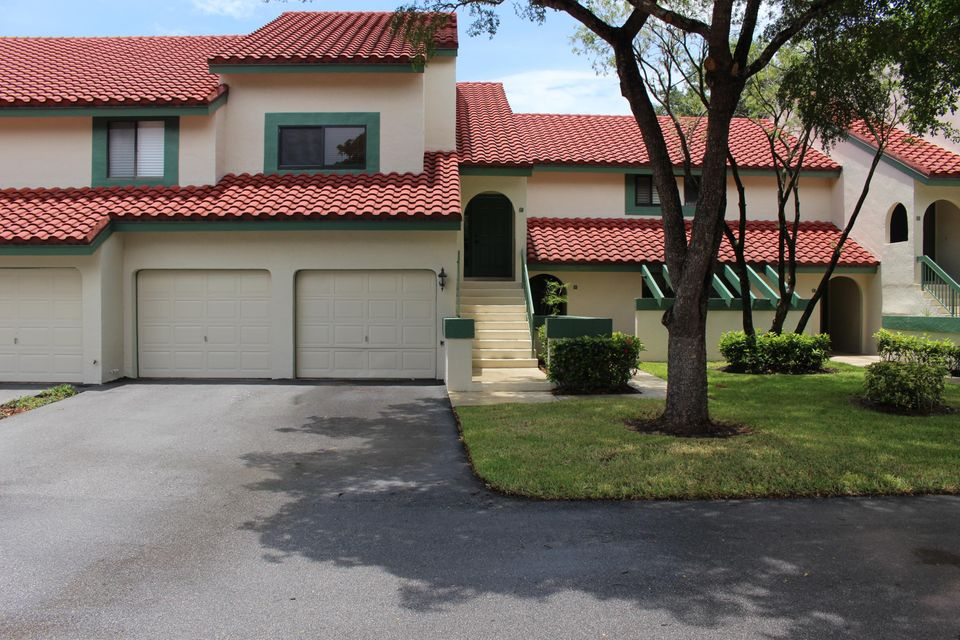 16 Lexington Lane B  Palm Beach Gardens FL 33418