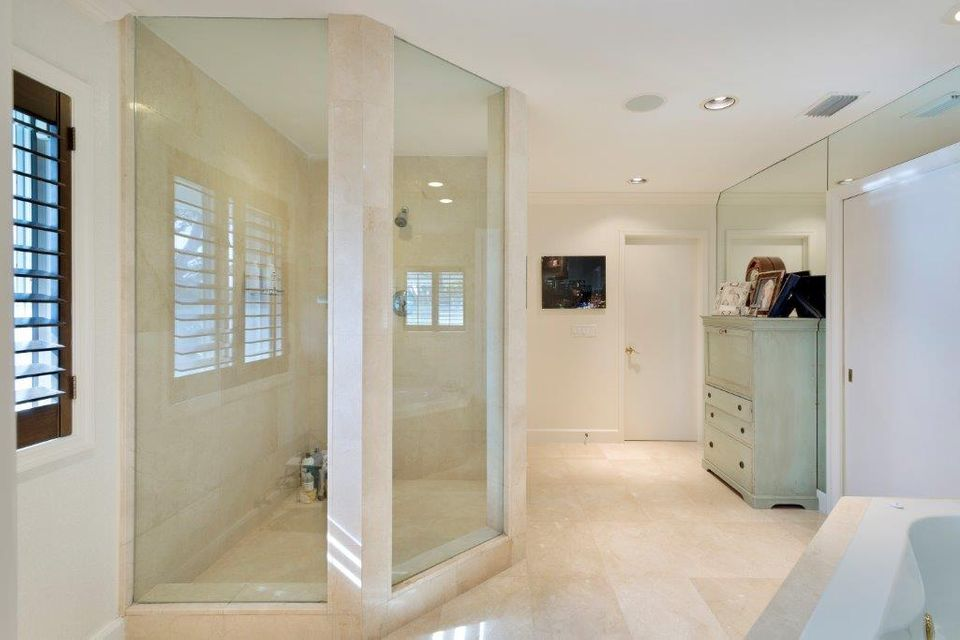 1400  Lands End Road , Manalapan FL 33462 is listed for sale as MLS Listing RX-10453416 photo #16