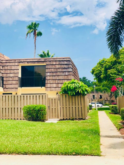 1120 11th Court 1120 , Palm Beach Gardens FL 33410 is listed for sale as MLS Listing RX-10450684 36 photos