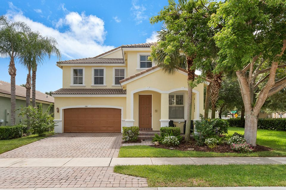 1261 W Magnolia Circle  Delray Beach, FL 33445
