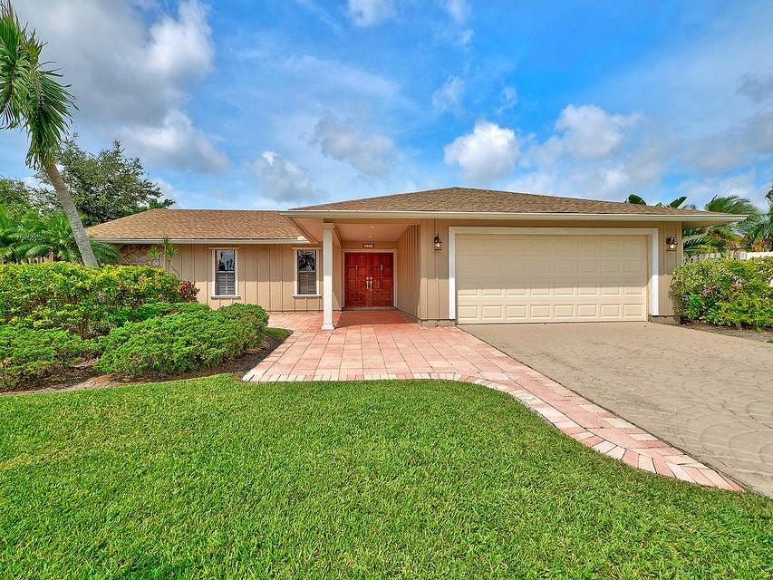 953 Briarwood Drive  Haverhill FL 33415