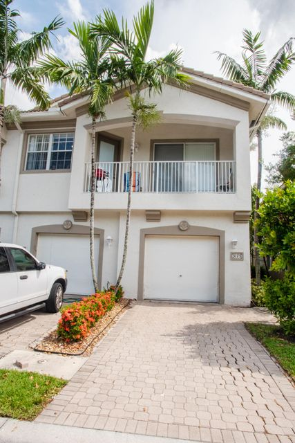 3175 Laurel Ridge Circle , Riviera Beach FL 33404 is listed for sale as MLS Listing RX-10429726 24 photos