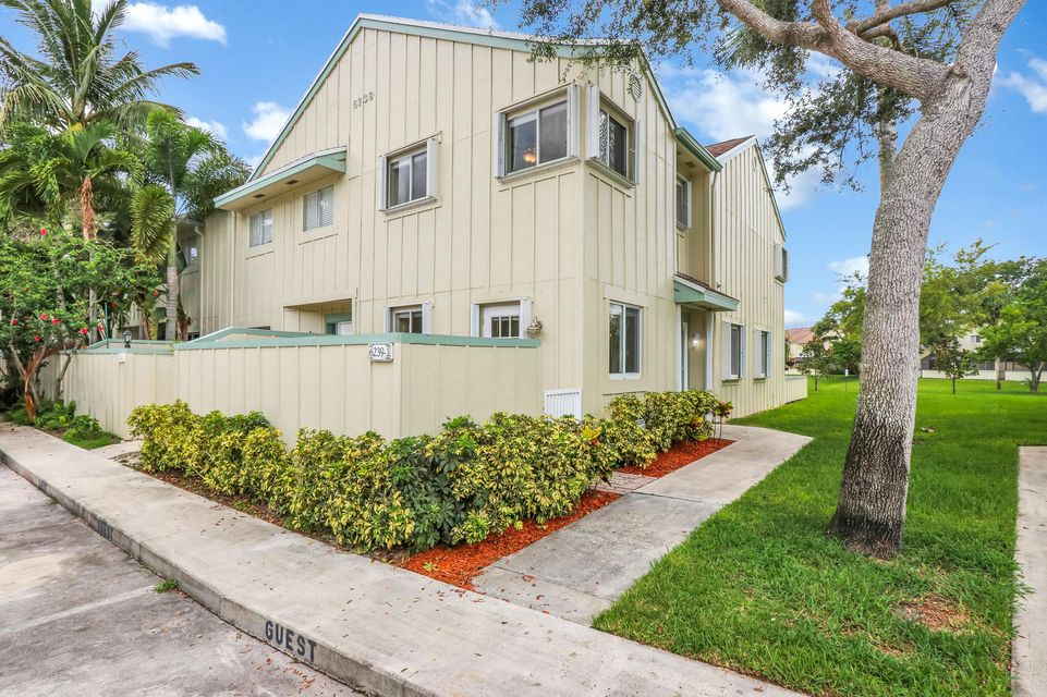 6239 Riverwalk Lane 1 , Jupiter FL 33458 is listed for sale as MLS Listing RX-10451194 20 photos