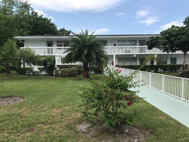 266 Newport R  Deerfield Beach FL 33442