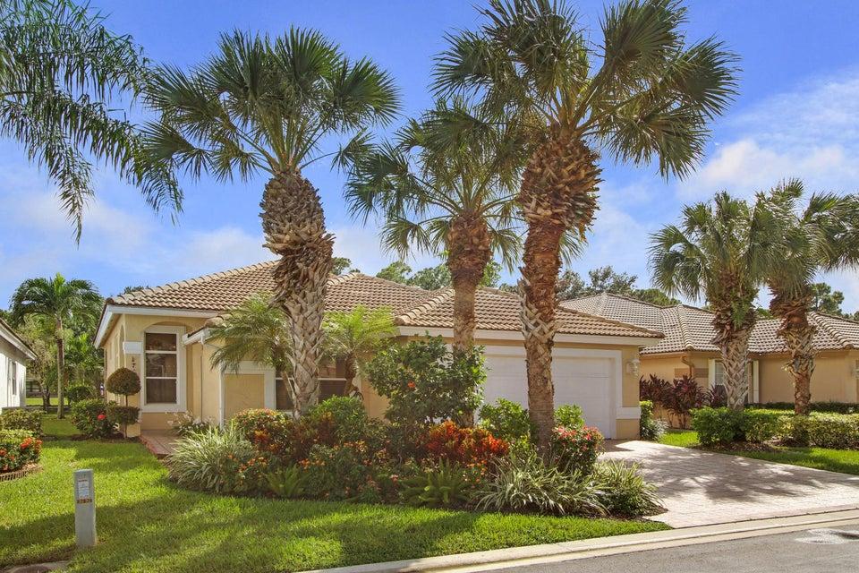 2828 Waters Edge Circle West Palm Beach, FL 33413
