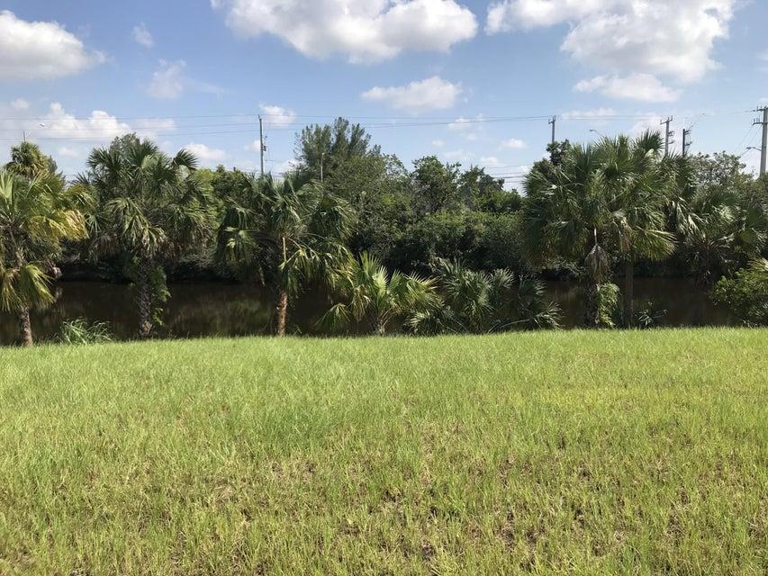 7601 Ellen Lane West Palm Beach, FL 33411