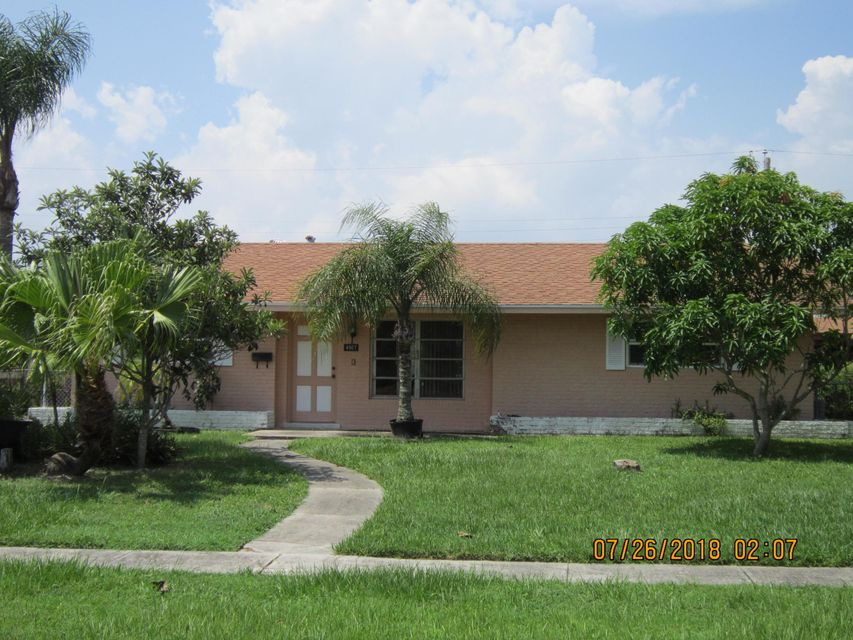 4907 Pine Cone Lane West Palm Beach, FL 33417
