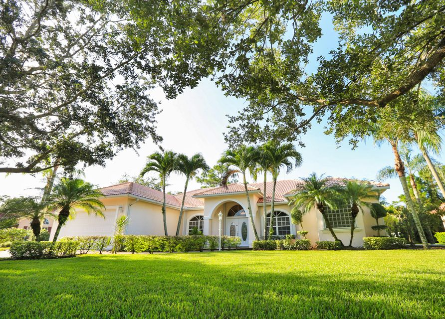 1158 SW Blue Stem Way , Stuart FL 34997 is listed for sale as MLS Listing RX-10451383 25 photos