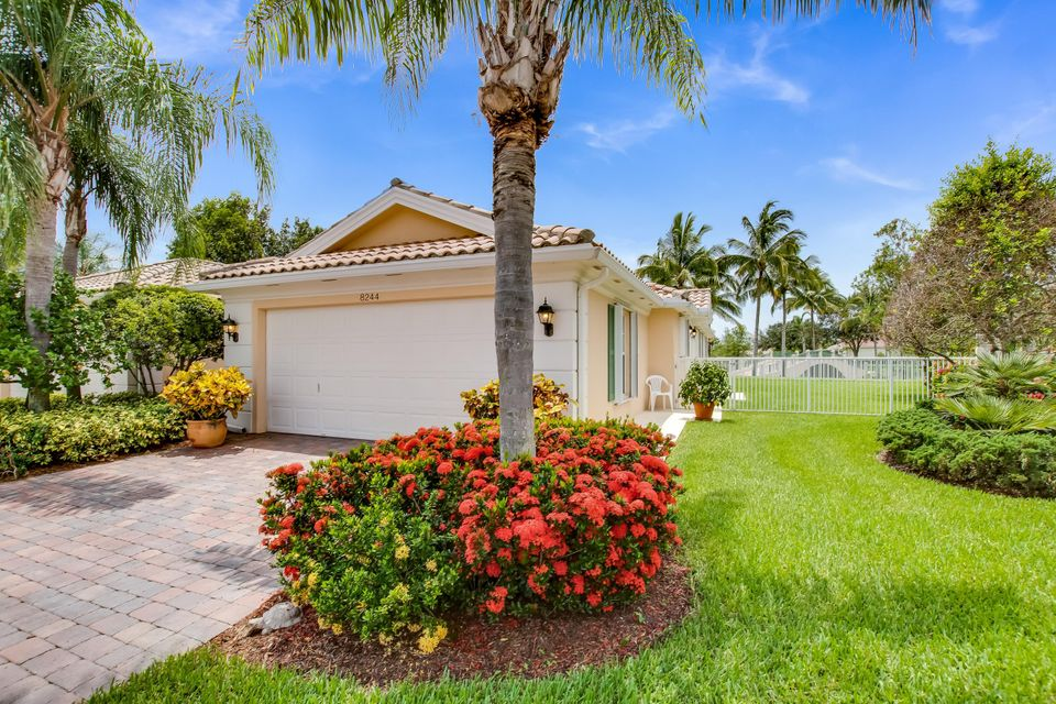 8244 Cozumel Lane Wellington, FL 33414