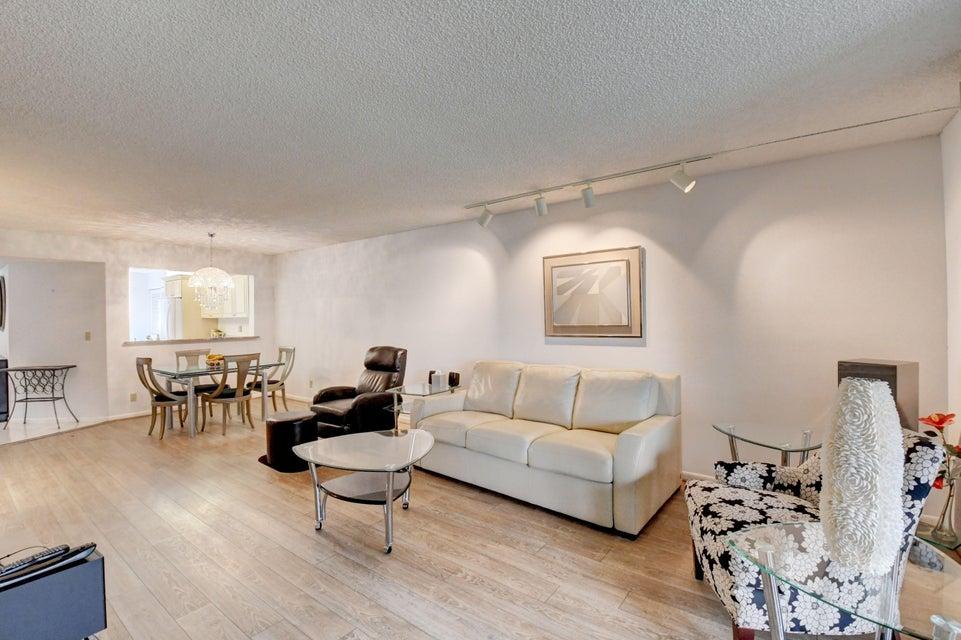 Real Estate FOR SALE - 7521 Glendevon Lane, Delray Beach, FL 33446