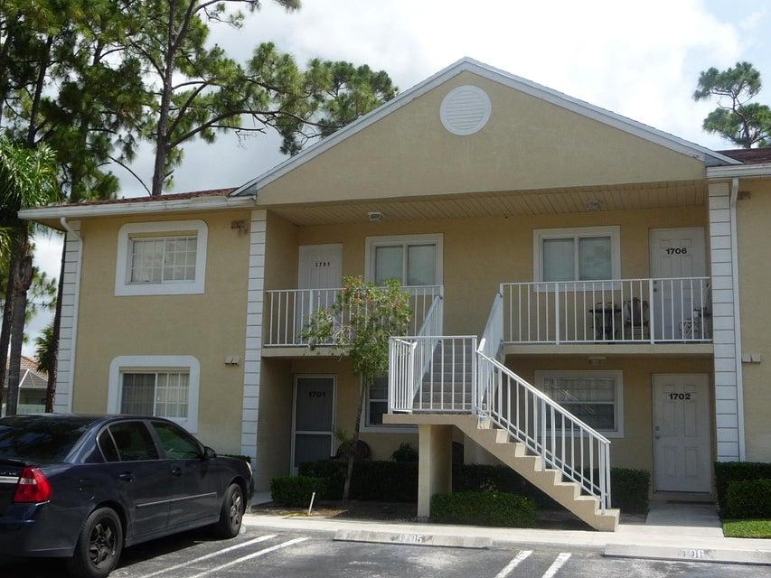 908 Palm Beach Trace Drive Royal Palm Beach, FL 33411