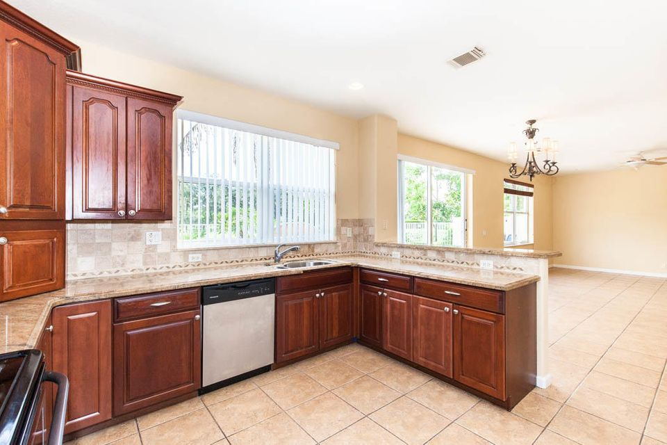 9029 Silver Glen Way Lake Worth, FL 33467 small photo 12