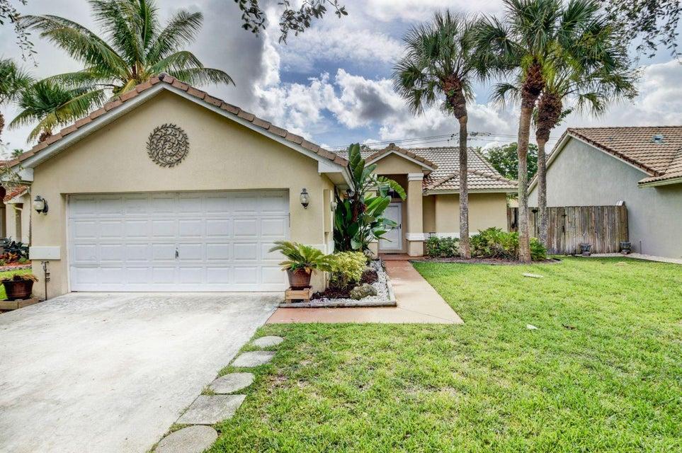 1135 E Lancewood Place  Delray Beach, FL 33445