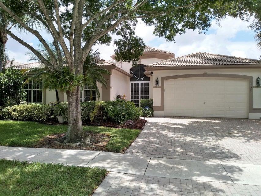 VALENCIA LAKES home 11571 Puerto Boulevard Boynton Beach FL 33437