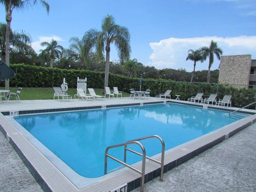 126 Sparrow Drive 4b Royal Palm Beach, FL 33411