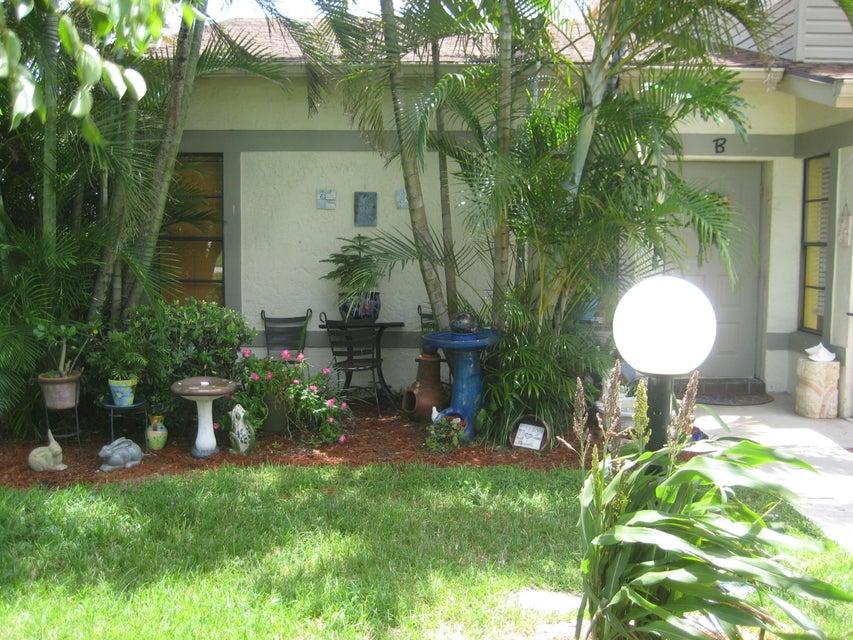 4347 Willow Pond Road B  West Palm Beach, FL 33417